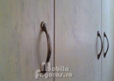 mobila-93